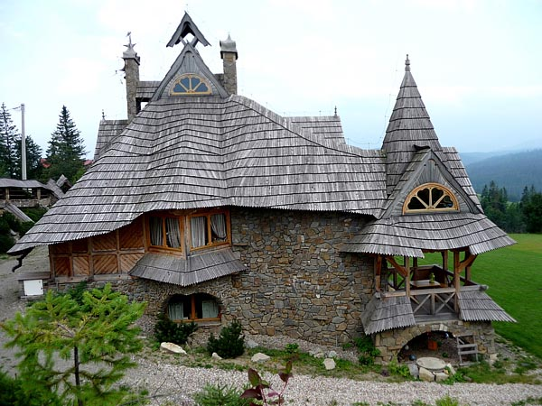 17 Magical Little Fairytale Homes To Ignite Your Imagination