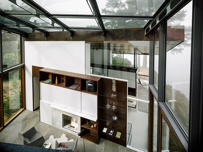 Large-all-glass-library-and-hangout-offers-mesmerizing-views-of-the-Pacific