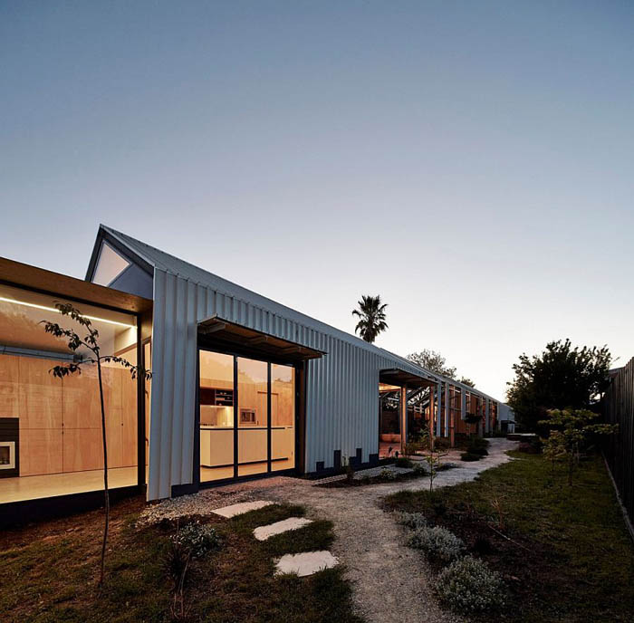Narrow-design-of-the-Cut-Paw-Paw-home-in-Seddon