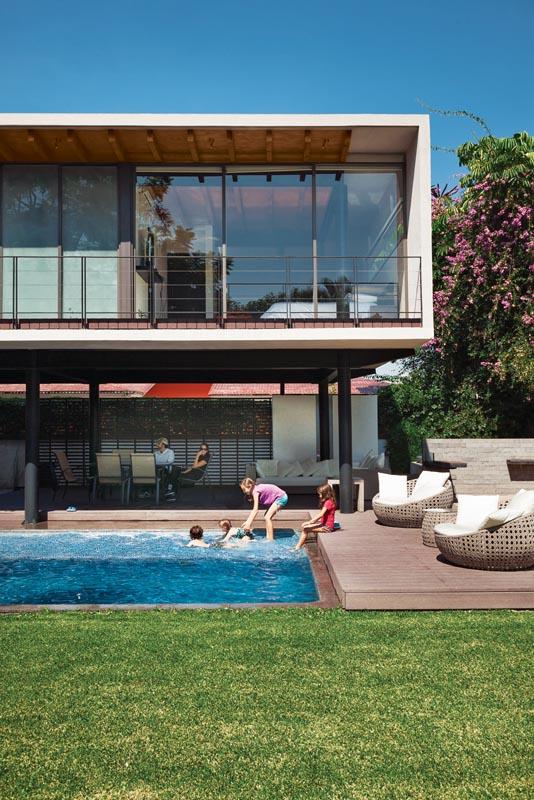 10 Stylish Prefab Homes That Won 39 T Break The Bank