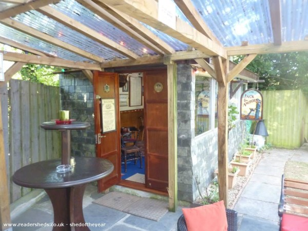 20 backyard sheds turned into private speakeasy pubs for Garden shed pub