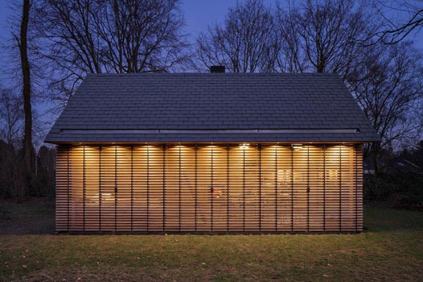 zecc-and-roel-van-norel-recreation-house-exterior6