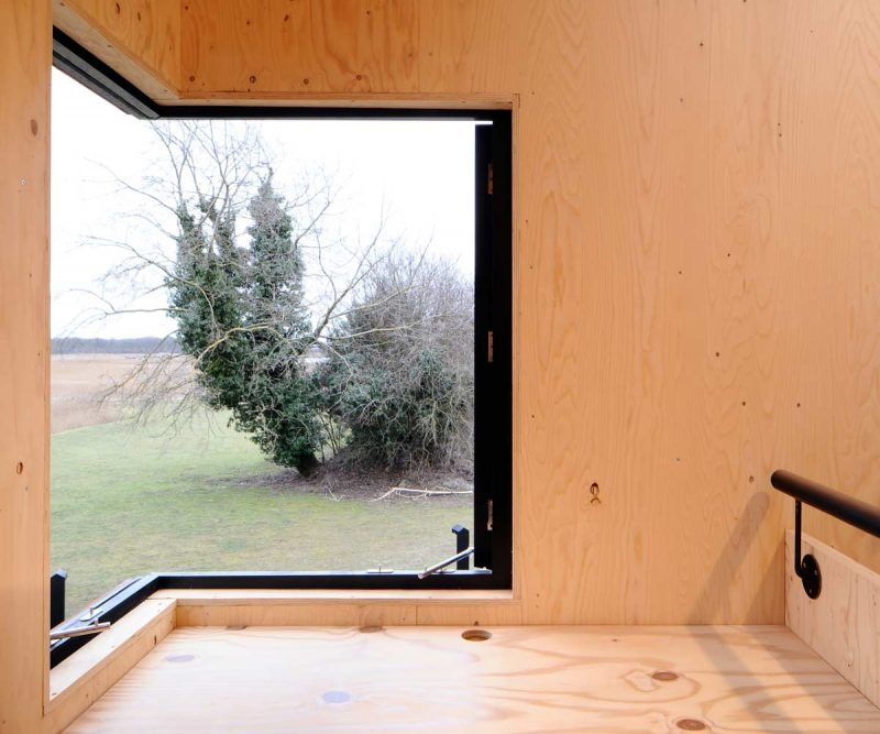 Dovecote-Studio-Tiny-Retreat-Haworth-Tompkins-England-Corner-Window-Humble-Homes