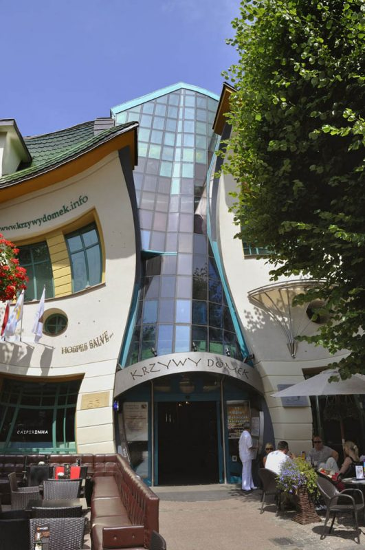 Krzywy-Domek-Crooked-House_4