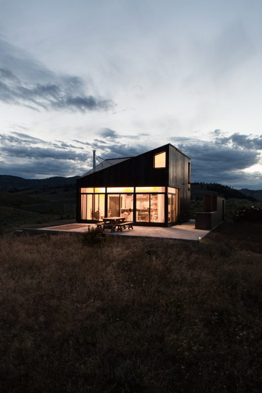 The-Sky-House-Small-Cabin-Jesse-Garlick-Vancouver-Exterior-Humble-Homes